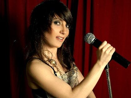 Dj karaoke + Espetáculo de striptease misto surpresa