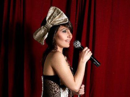 Dj karaoke + Striptease lingerie