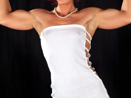 Espetáculo de striptease – Bodybuilder girl