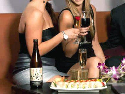 Tuppersex (reunião erótica) + Sushi ao domicílio