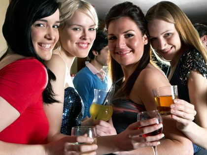 Bachelor and bachelorette party – Bar crawl package