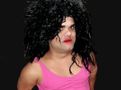 "Espetáculo de striptease cómico – ""Anã (travesti)"""